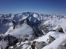L'Abellers au centre, le plus haut tout au fond est normalement le Tuc de Molières (3010m)