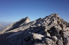 Bientôt à Coronas, au loin, Pic du Milieu