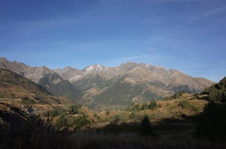 Vue sur le massif peu après le col du Pourtalet