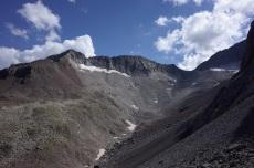 Bardamina à gauche et les deux sommets de la Paul au milieu et à droite